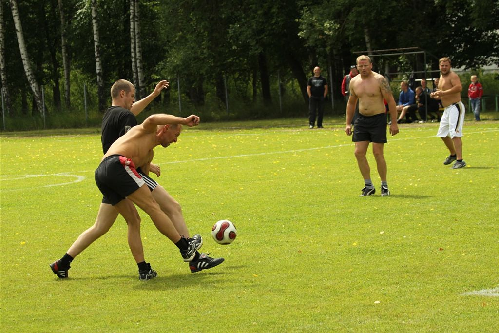 2011_06_25_weak_of_will_futbolas_jonava_026_20121212_1891818628