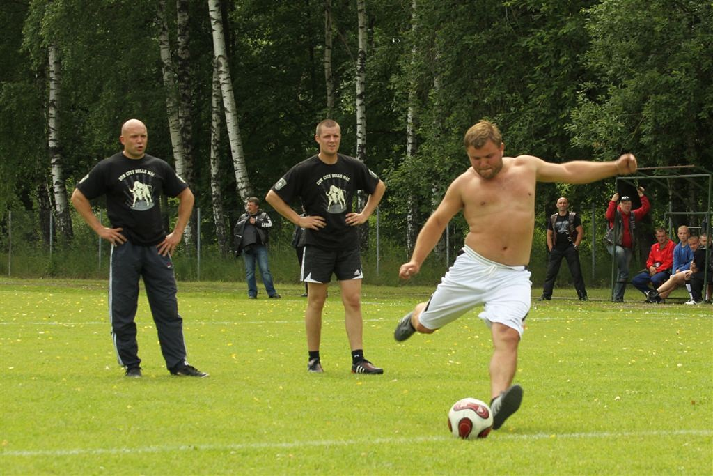 2011_06_25_weak_of_will_futbolas_jonava_030_20121212_1951045059