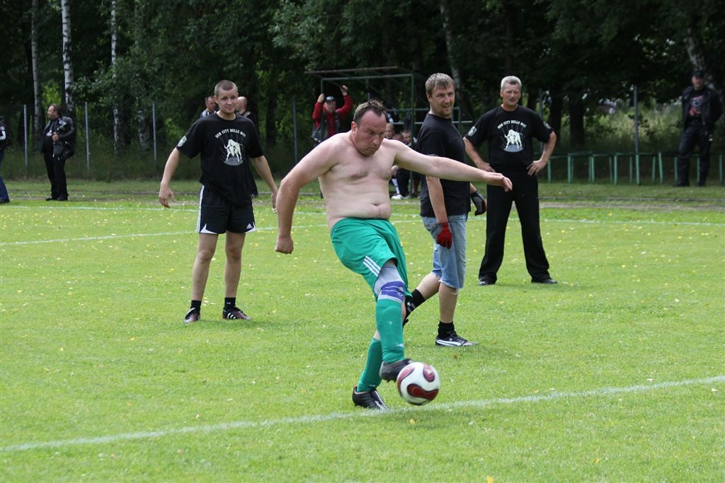 2011_06_25_weak_of_will_futbolas_jonava_032_20121212_1192165971