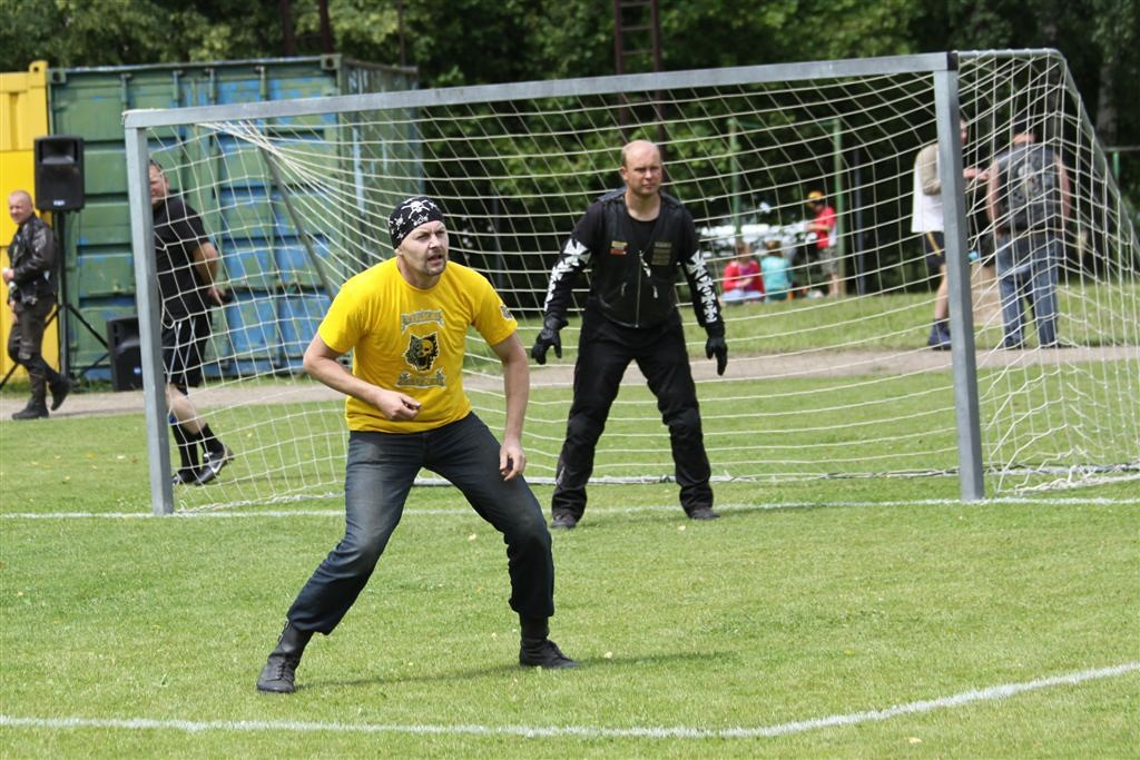 2011_06_25_weak_of_will_futbolas_jonava_050_20121212_1262700385
