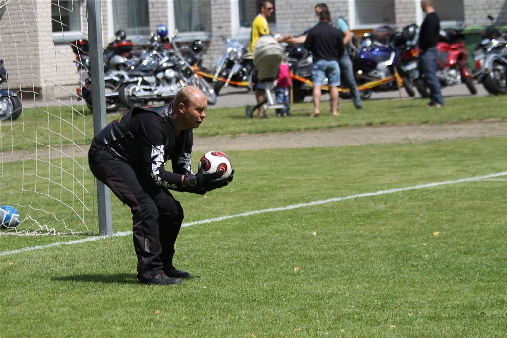 2011_06_25_weak_of_will_futbolas_jonava_054_20121212_1953979575