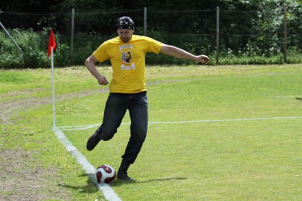 2011_06_25_weak_of_will_futbolas_jonava_061_20121212_1844215681